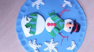 Snowman cake decoration
