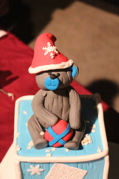 Christmas teddy bear cake